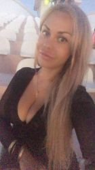 Hot babe in Cyprus (All): Paula wants to share her passion with you